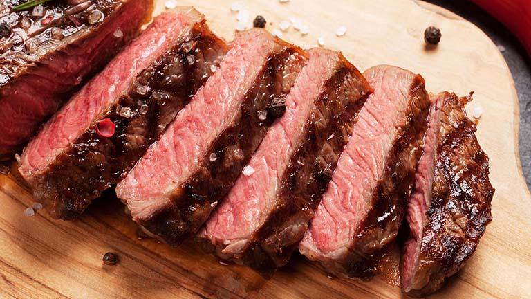 dị ứng thịt bò là bệnh gì