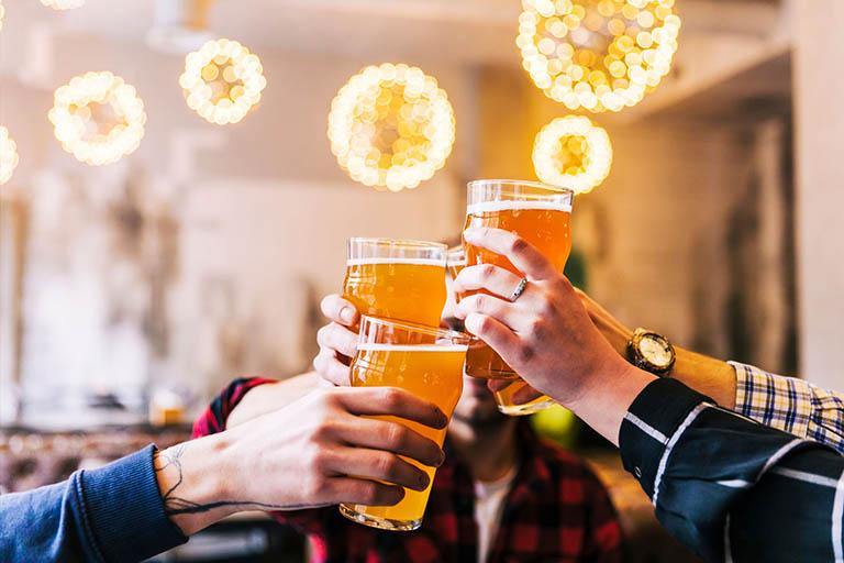 Lạm dụng thuốc lá và rượu bia