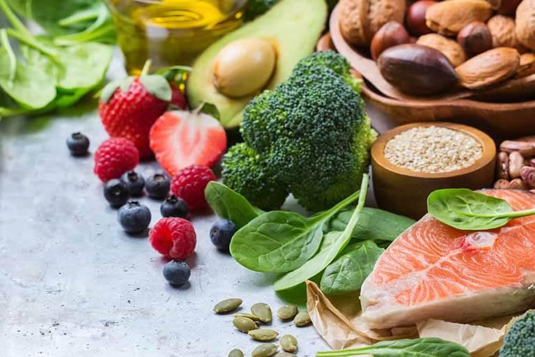 Dị ứng thời tiết nên ăn và không nên ăn gì?