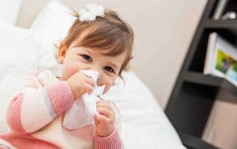 Trẻ bị dị ứng thời tiết có nguy hiểm không?