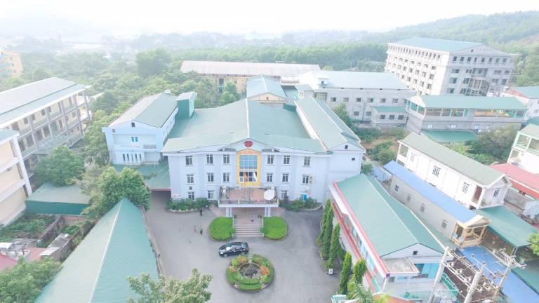 Cùng với Bệnh viện Từ Dũ, Bệnh viện Hùng Vương là địa chỉ uy, đáng tin cậy để chị em đến khám phụ khoa