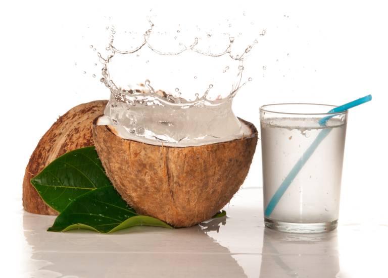 Nước dừa giúp cải thiện chức năng thận