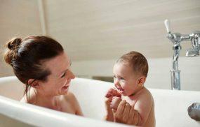 Viêm da cơ địa nên tắm lá gì an toàn hỗ trợ điều trị hiệu quả?