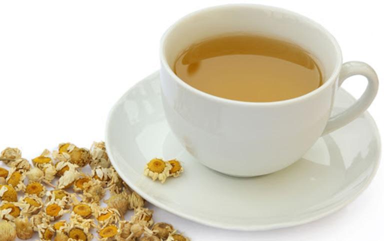 Chữa đau dạ dày bằng trà hoa cúc
