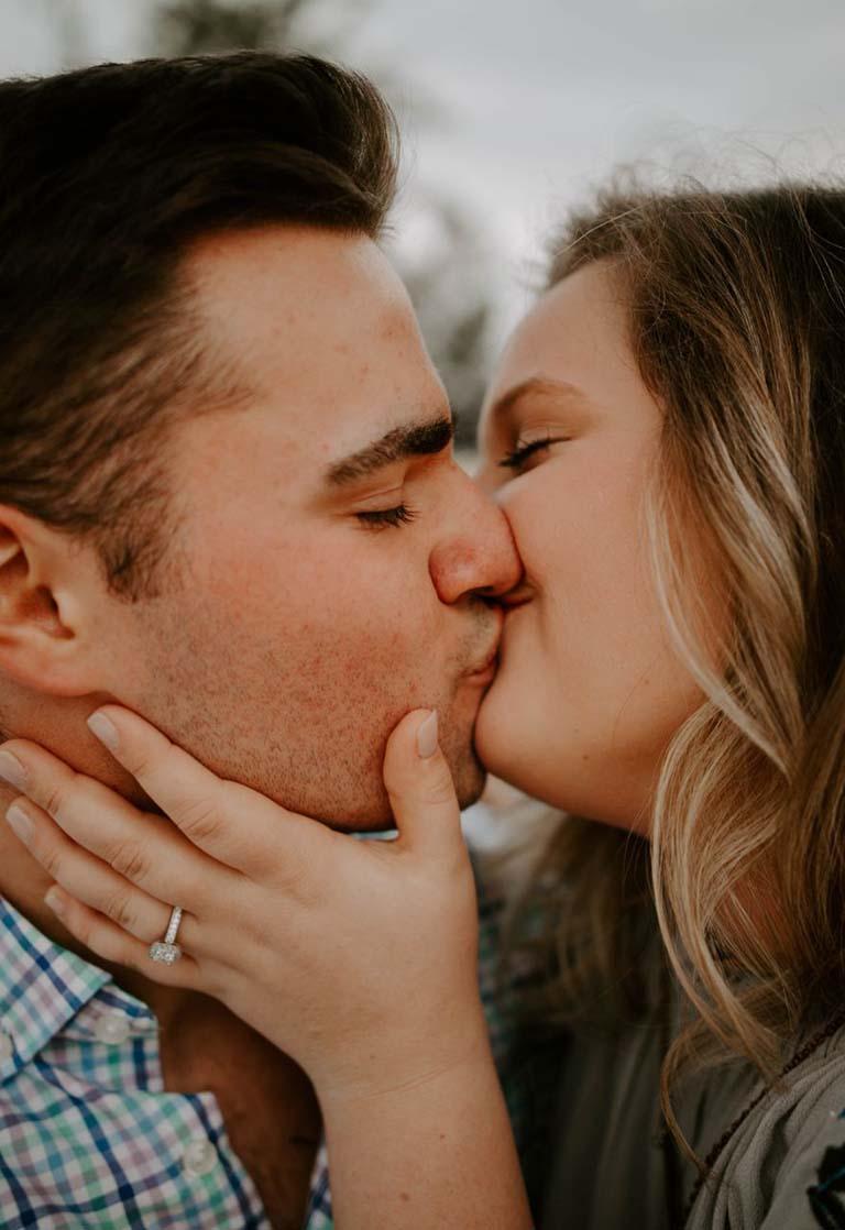 Cách hôn khiến chàng mê mệt