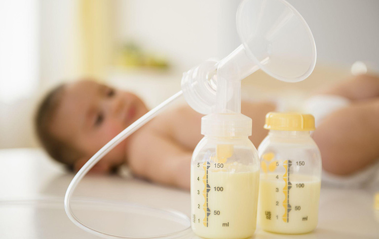 Cách tính lượng dinh dưỡng cho trẻ dưới 6 tháng tuổi