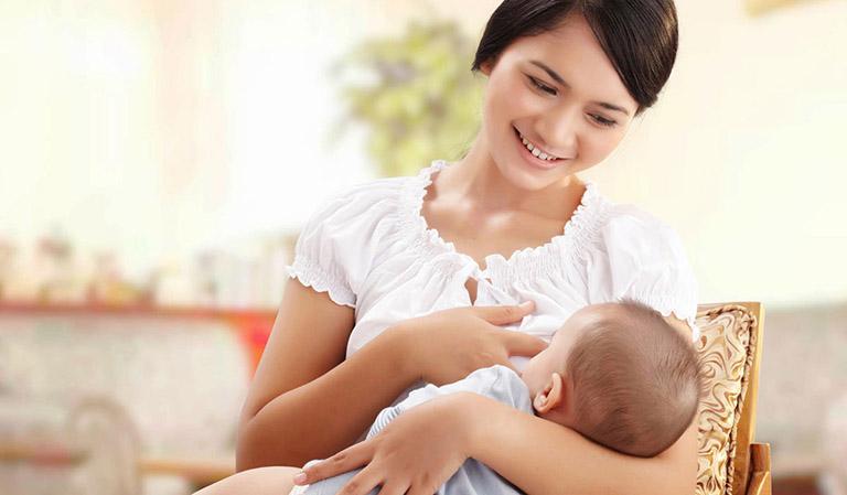 Một số lưu ý trong chế độ dinh dưỡng cho trẻ từ 0 - 6 tháng