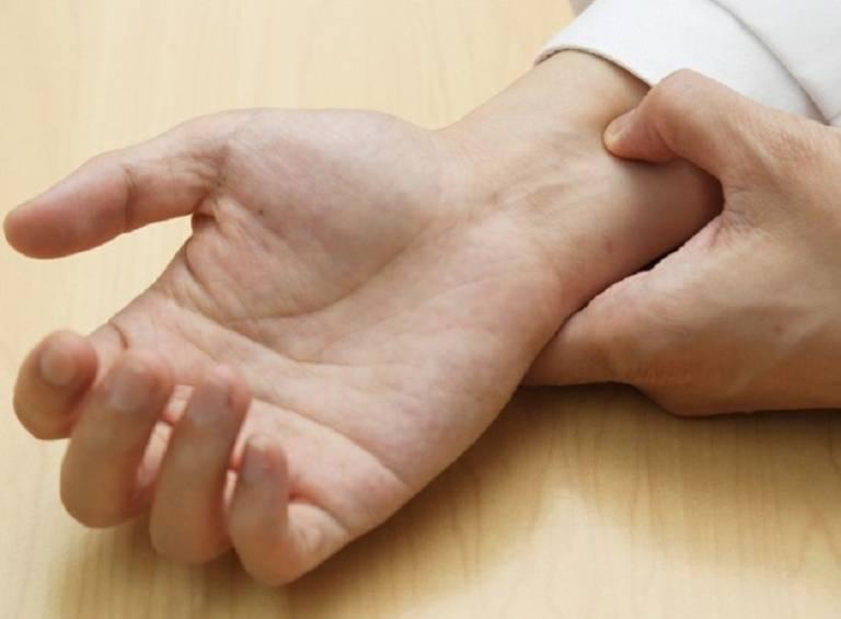 Bấm huyệt cải thiện bệnh đau dạ dày là một trong những phương pháp trị liệu được áp dụng rộng và có hiệu quả tốt