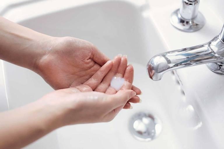 Cách phòng ngừa mẩn đỏ ở bàn tay, bàn chân