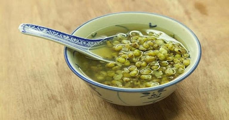 Món ăn hỗ trợ điều trị mề đay