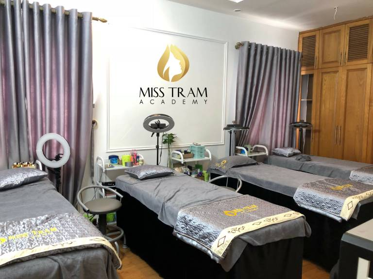 Miss Trâm Natural Beauty Center