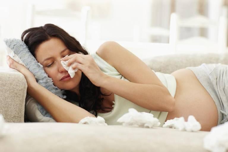 Nguyên nhân và dấu hiệu nhận biết viêm xoang ở bà bầu