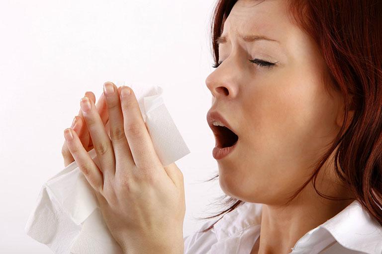 Bị ngứa mũi và hắt hơi