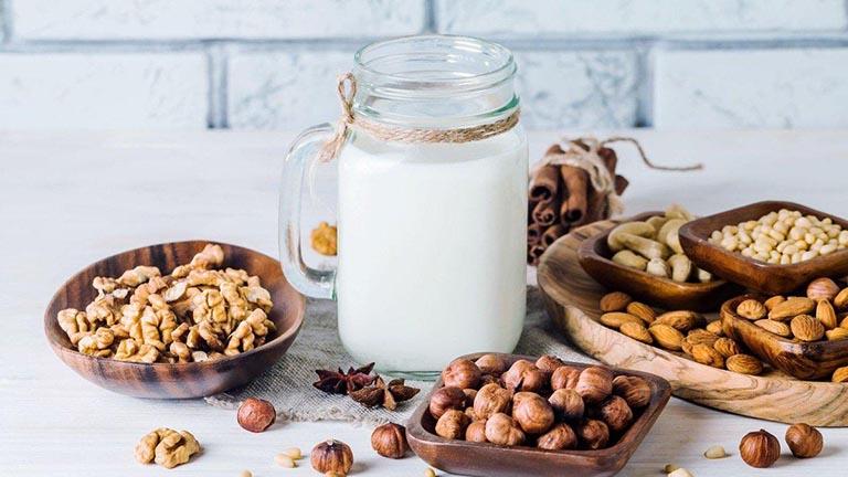 Những loại sữa chuyên gia khuyên dùng cho người viêm loét dạ dày