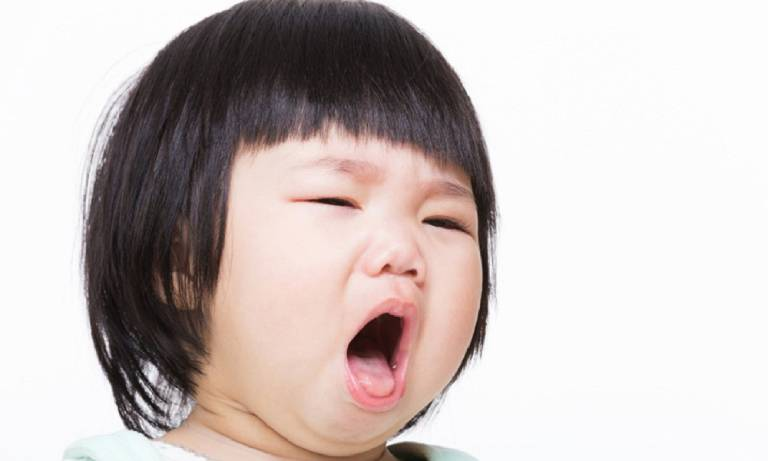 7 cách chữa viêm họng cho bé an toàn không dùng kháng sinh