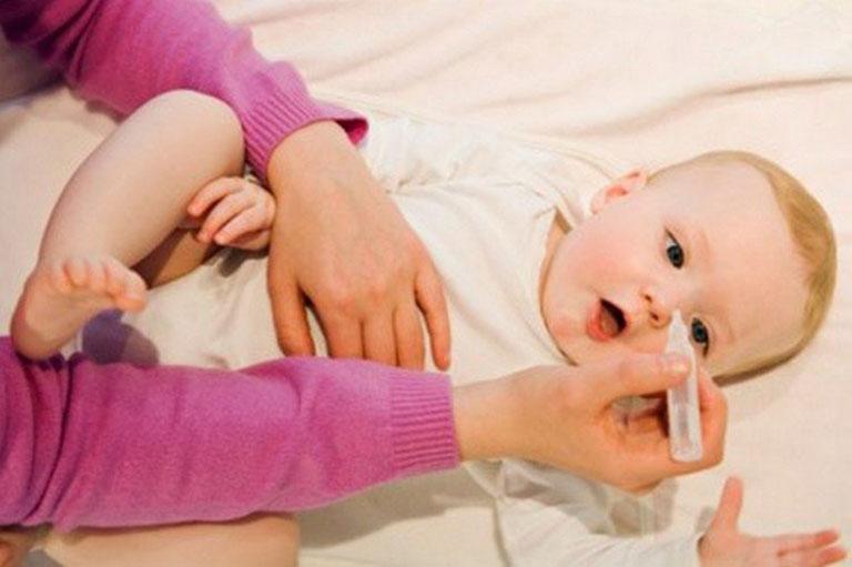 Lưu ý khi rửa mũi cho trẻ sơ sinh