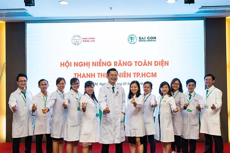 chữa viêm tủy răng uy tín tại TPHCM