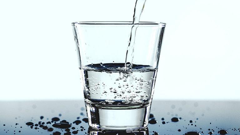 Tại sao nên chữa viêm xoang bằng nước muối sinh lý?