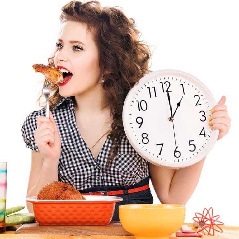Đau dạ dày có nên ăn mì tôm không?