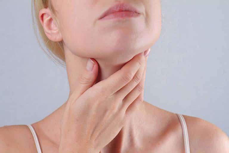 Đau họng nên ngậm gì cho thanh cổ giảm đau mau khỏi?