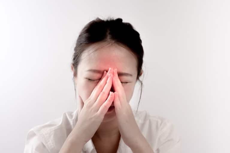 nhức đầu do viêm xoang