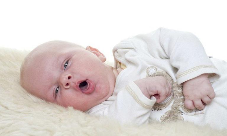 trẻ sơ sinh bị ho có đờm và sổ mũi
