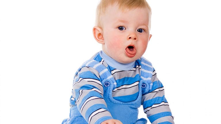 trẻ sơ sinh bị ho khan