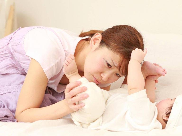 Nguyên nhân khiến trẻ sơ sinh bị tiêu chảy