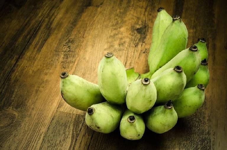 Tác dụng của chuối xanh trong chữa bệnh hắc lào