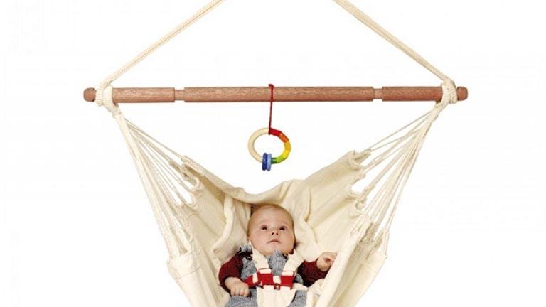 Ưu điểm của việc cho trẻ sơ sinh nằm võng