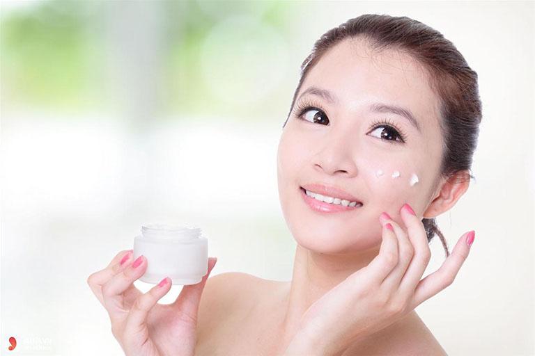 Phòng ngừa da mặt bị khô sần và ngứa