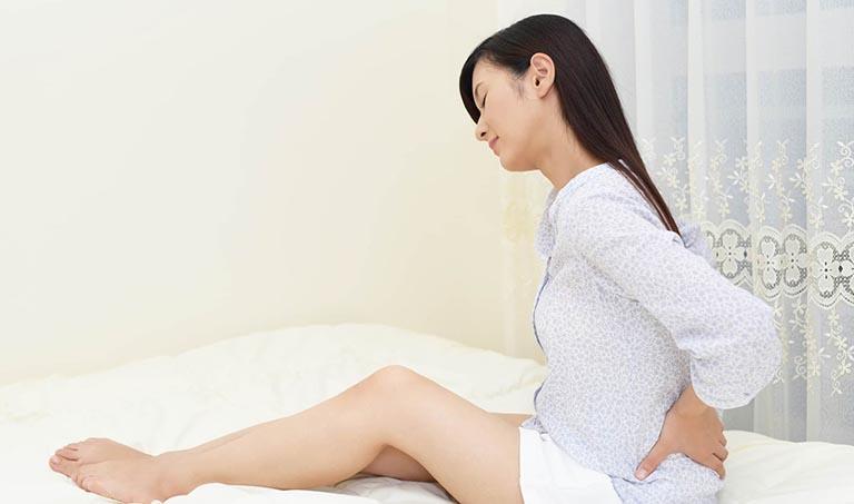 Đau lưng khi mới thụ thai có tự khỏi được không?