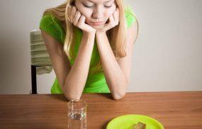 Đau thượng vị khi đói dạ dày đang bị gì?