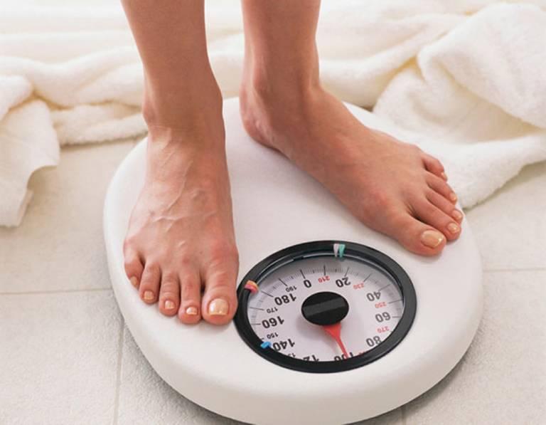 Giảm cân giúp cải thiện tình trạng trào ngược dạ dày
