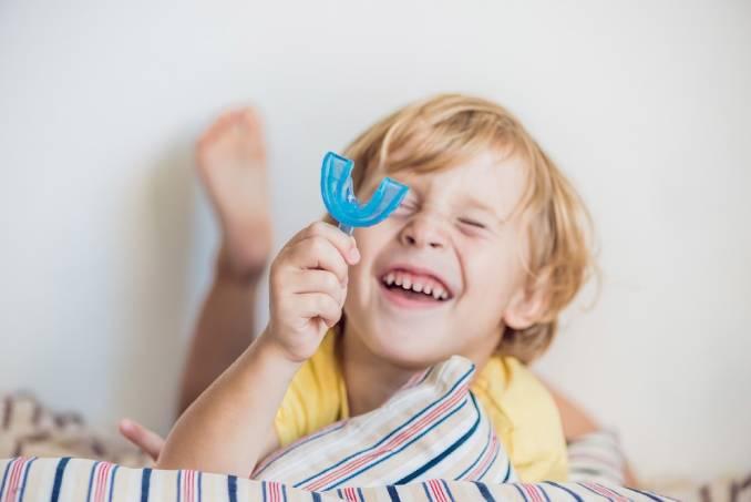 Răng mọc lệch ở trẻ: Nguyên nhân và hướng khắc phục