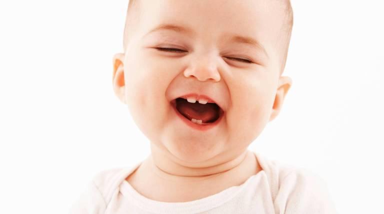 Biểu hiện nhận biết răng mọc lệch ở trẻ