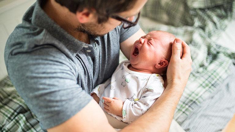 sốt phát ban ở trẻ sơ sinh