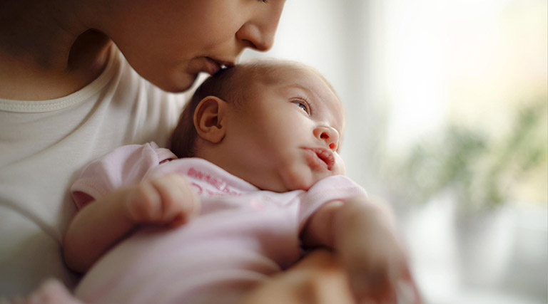 Những điều cần thận trọng khi dùng thuốc hạ sốt cho trẻ sơ sinh