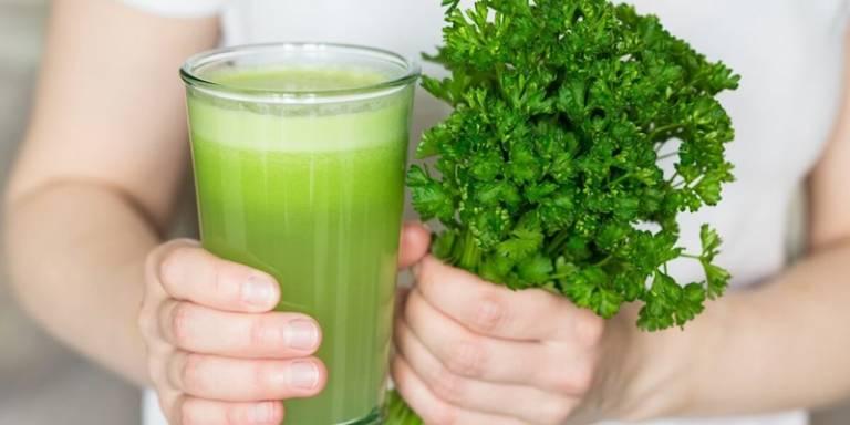Tăng cường chức năng sinh lý với nước ép cần tây