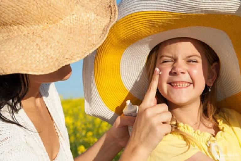 Cách kiểm soát viêm da tiếp xúc dị ứng ở mặt