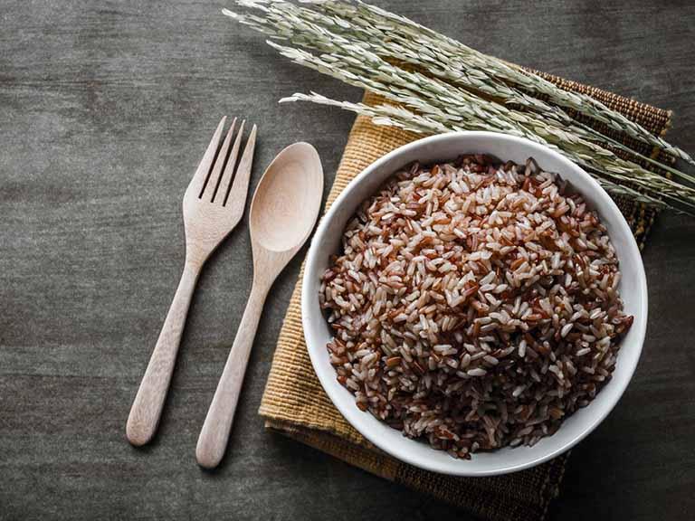 Dùng gạo lứt chữa đau dạ dày như thế nào?