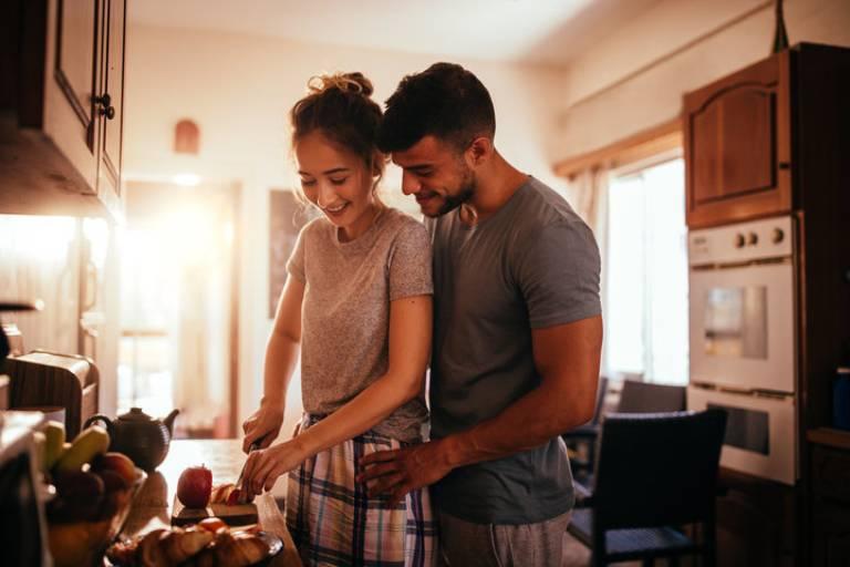 Ăn uống gì trước khi quan hệ để kéo dài cuộc yêu?