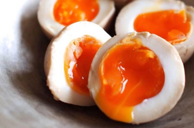 Công thức giá đỗ và trứng gà chữa yếu sinh lý