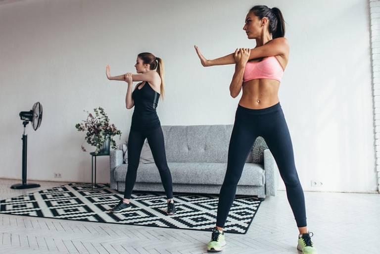 Bài tập yoga thư giãn tay và vai