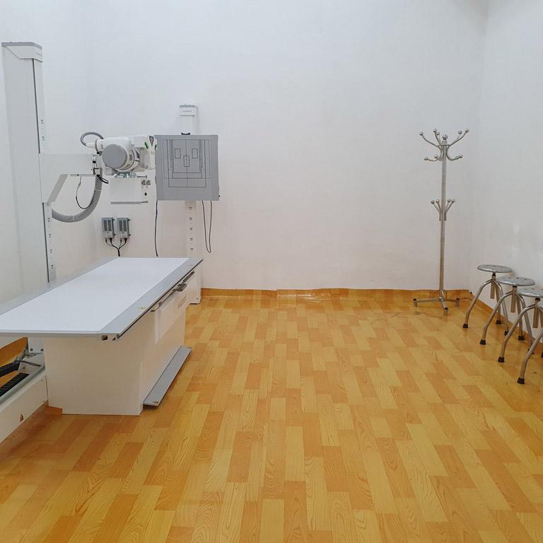 Hệ thống máy chiếu chụp hiện đại giúp phát hiện tình trạng tràn dịch khớp gối của người bệnh