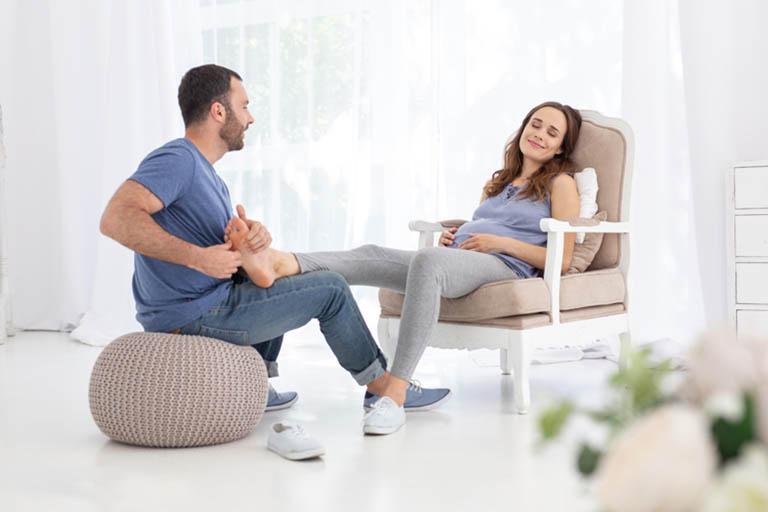 phù chân khi mang thai