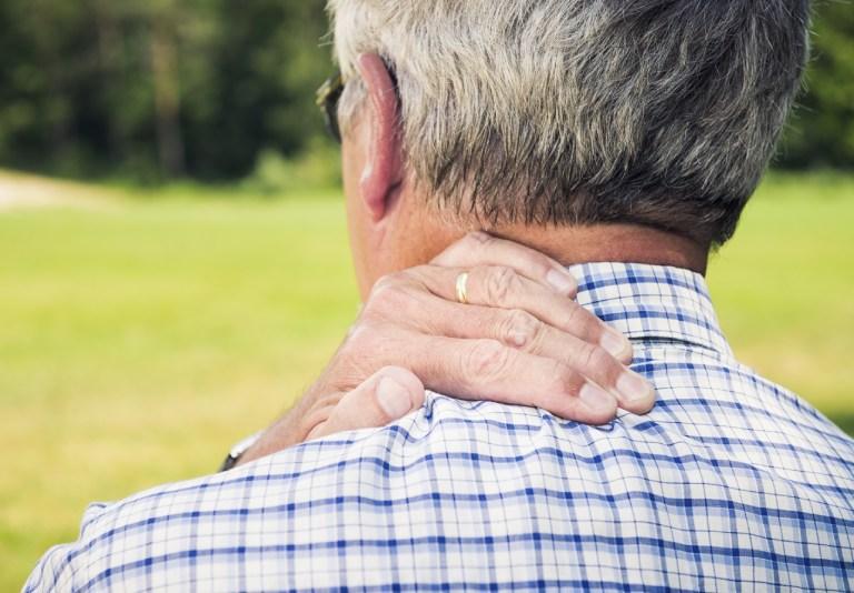 Nguyên nhân gây thoái hóa cột sống cổ