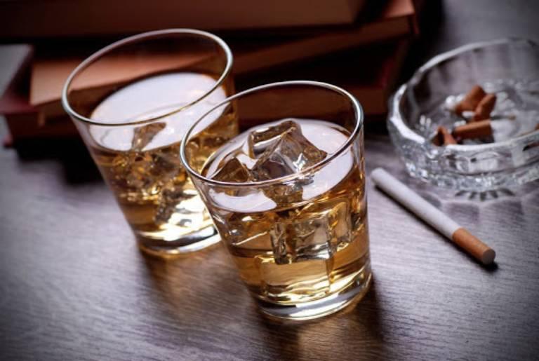 Bia rượu, thuốc lá và các chất kích thích