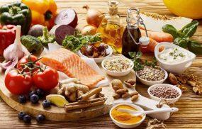 Viêm đa khớp dạng thấp nên ăn gì để hỗ trợ điều trị tốt