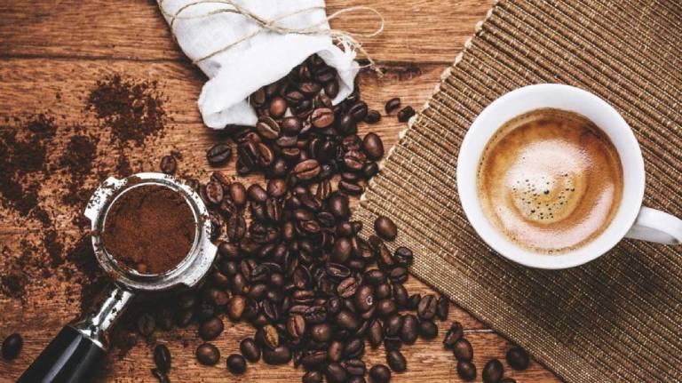 Cà phê và nước ngọt có gas